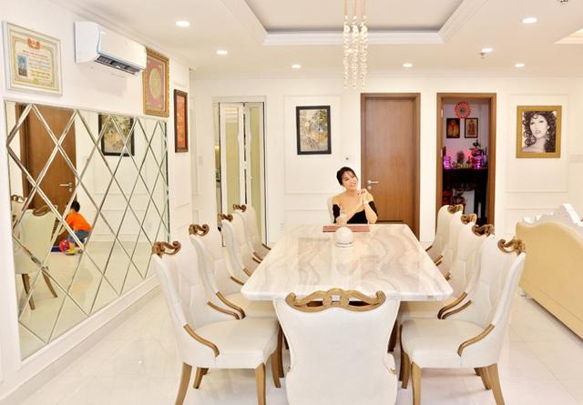 Phi Thanh Vân khoe căn hộ 200 m2 xinh xắn nhưng ai cũng chỉ chú ý đến ghế tình yêu đặt trong phòng ngủ - Ảnh 4.