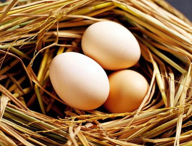 Thói quen nhiều người mắc khi luộc biến trứng gà thành chất độc - Ảnh 2.