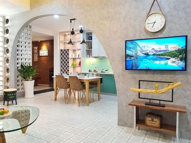 380 triệu đồng giúp cải tạo căn hộ 10 năm tuổi như rộng gấp đôi - Ảnh 1.