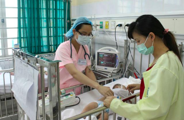 Bộ Y tế: Không được để tình trạng tự đổi người vào chăm sóc bệnh nhân trong bệnh viện - Ảnh 3.