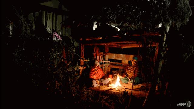Bị anh rể ép ra lều ở vào kỳ kinh nguyệt, cô gái tử vong - Ảnh 1.