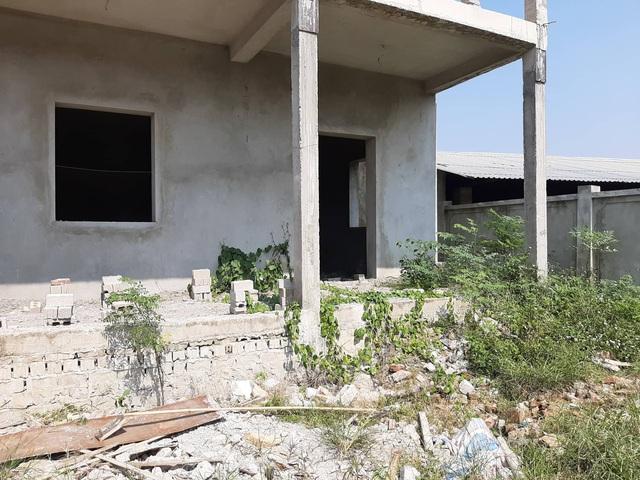 """Huyện Hoằng Hóa (Thanh Hóa): Nhiều dự án trường học khởi công rồi """"đắp chiếu"""" - Ảnh 2."""