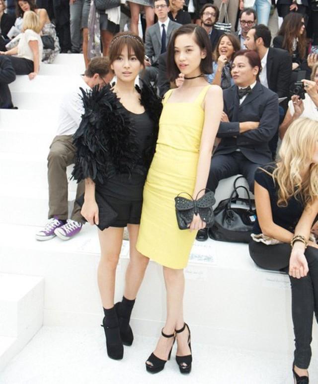 Song Hye Kyo là một trong những ngôi sao Hàn được ông ưu ái, mời đến dự nhiều show quốc tế tầm cỡ