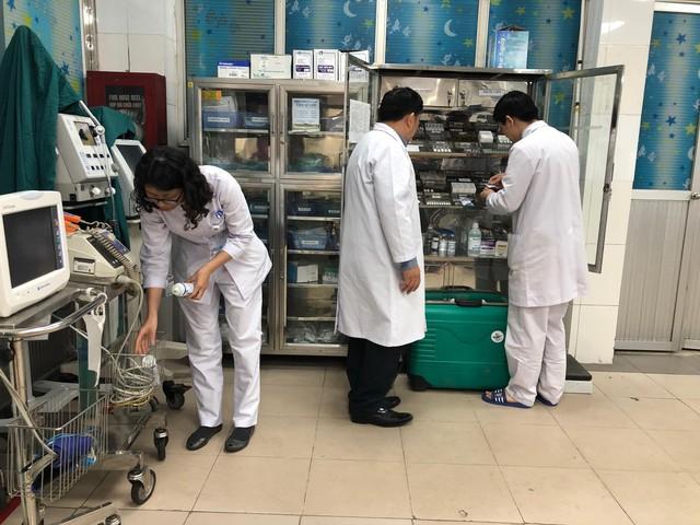 Kiểm tra cơ số thuốc, vật tư trang thiết bị phục vụ Hội nghị thượng đỉnh Mỹ - Triều, tại Bệnh viện Đa khoa Xanh Pôn, sáng 26/2.