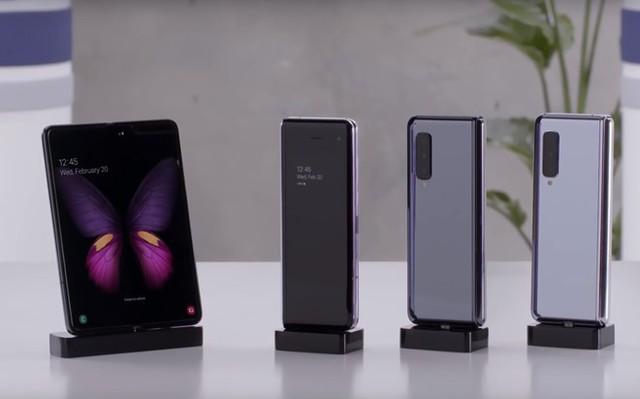 Galaxy Fold là smartphone đầu tiên có màn hình gập của Samsung. Ảnh: Samsung.