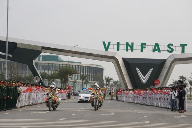 Nhà máy ô tô VinFast đóng góp 15% tổng thu nội địa của Hải Phòng - Ảnh 1.