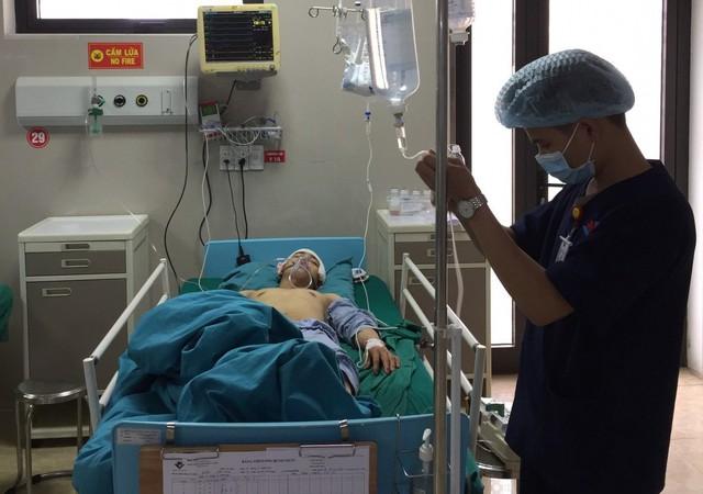 Nam bệnh nhân 19 tuổi được phẫu thuật tối cấp đêm 29 Tết vì tai nạn giao thông, vào viện nồng nặc mùi rượu