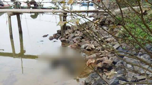 Thi thể nạn nhân xấu số sau gần hai ngày phát hiện vẫn chưa có người thân đến nhận.