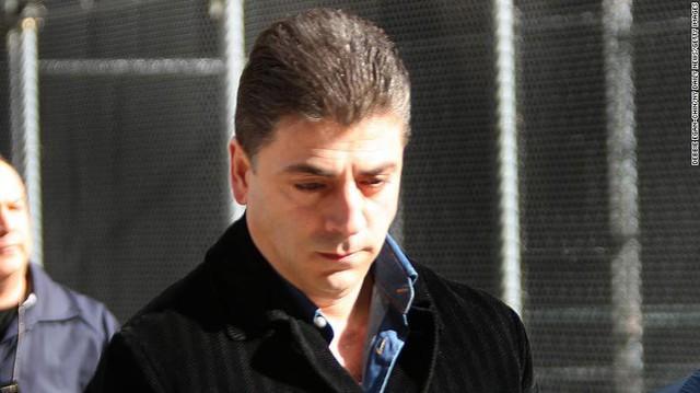 Bức ảnh hiếm hoi về trùm Cali khi bị bắt năm 2008.