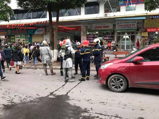 Lực lượng chức năng nhanh chóng có mặt để khống chế ngọn lửa. Đám cháy được dập tắt khoảng 25 phút sau đó.