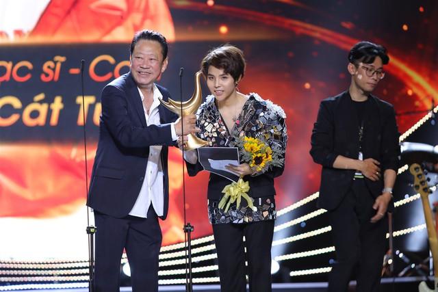 Vũ Cát Tường nhận giải Nhạc sĩ của năm
