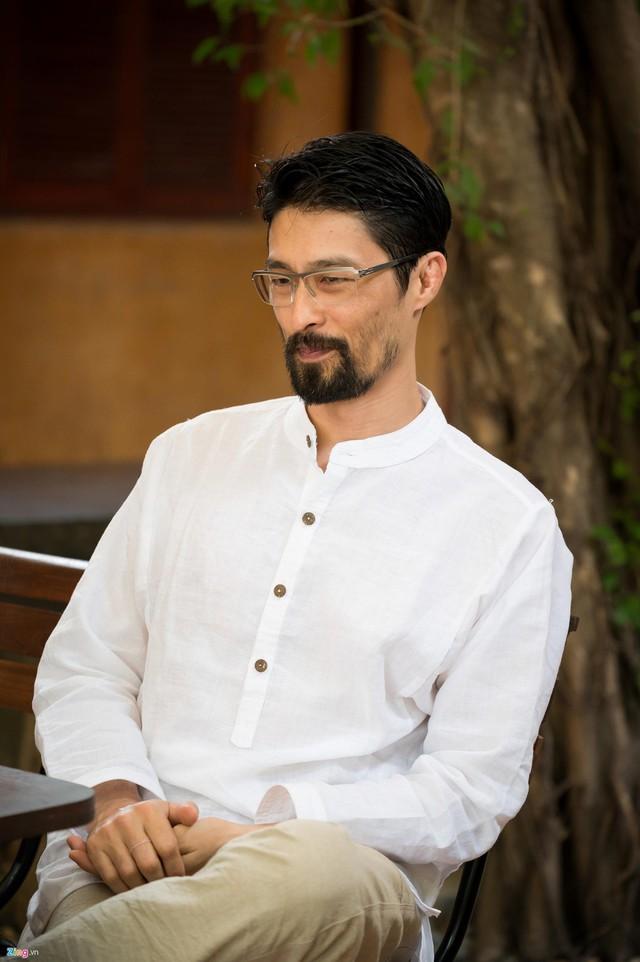 Johnny Trí Nguyễn hài lòng với cuộc sống hiện tại.