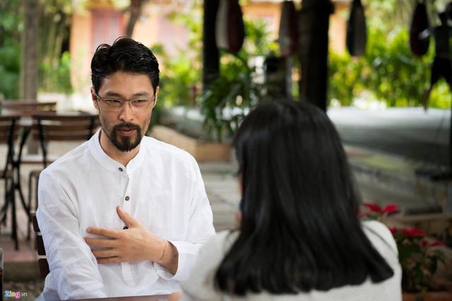 Ở tuổi 45, khi làm phim, Johnny Trí Nguyễn không còn quan tâm tới cát-xê.