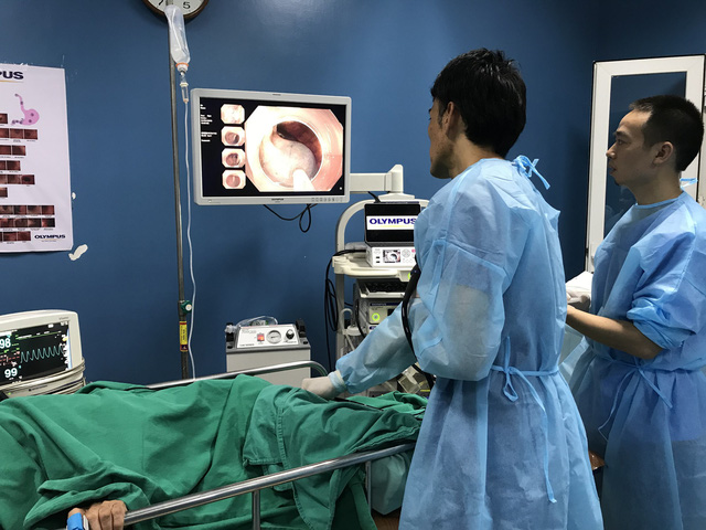 Bệnh viện K đã triển khai kỹ thuật nội soi phóng đại và ánh sáng màu trong chẩn đoán ung thư đại trực tràng sớm