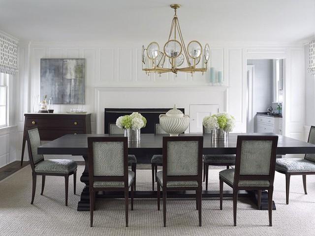 Thiết kế lò sưởi luôn được các gia đình đặt ở vị trí trung tâm nổi bật của căn phòng.