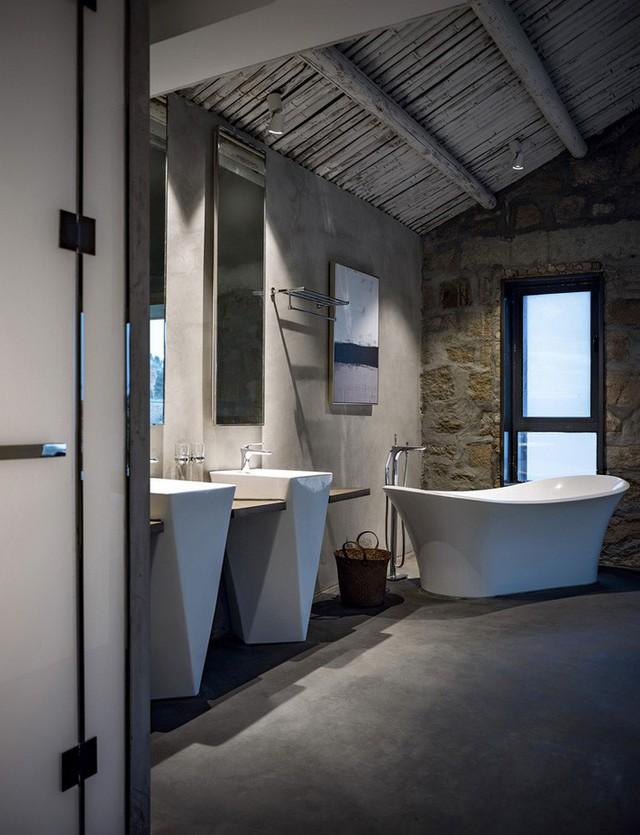 Góc phòng tắm độc đáo với vật liệu tự nhiên.