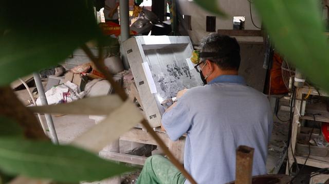 Theo nghệ nhân Triệu Hoàng Giang, để hoàn thành một kiệt tác di sản, tái hiện lại cuộc đời và sự nghiệp của Chủ tịch Hồ Chí Minh, phải mất từ 7 tháng cho đến khoảng 3 năm, tùy theo kích thước khổ đá và các chi tiết trong từng tư liệu lịch sử nhiều hay ít.