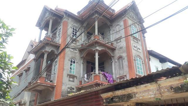 Ngôi biệt thự 3 tầng của gia đình Bình.
