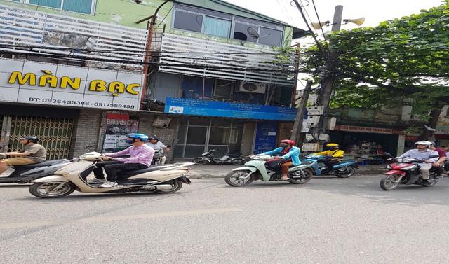 Trụ sở Công ty Quang Minh là căn nhà được chia ra cùng chung với 02 doanh nghiệp khác.