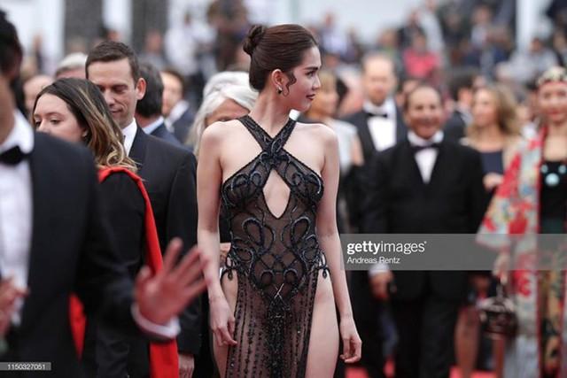 Ngọc Trinh mặc phản cảm tại Cannes.