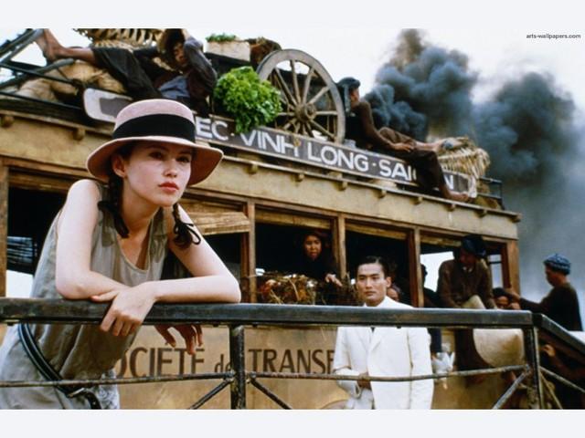 Dù bị đánh giá là già hơn với tuổi 15 nhưng sự già dặn của Jane March lại phù hợp với tình cách nổi loạn, bất cần của nhân vật