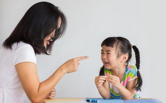 Điều tệ hại nhất mẹ phải để ý khi nuôi con là gì? - Ảnh 1.