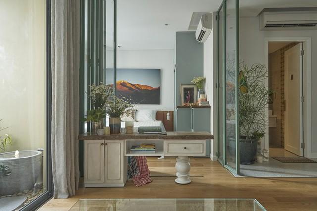 Căn hộ rộng 46 m2, nằm trong một chung cư tại quận 4, TP HCM, được hoàn thiện sau 40 ngày thi công cải tạo.