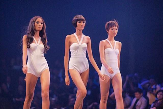 Từ con số 0, Hoàng Thùy lột xác theo từng vòng thi tại Vietnams Next Top Model. Và cuối cùng, thành công đã mỉm cười với cô gái Thanh Hóa khi trở thành quán quân.