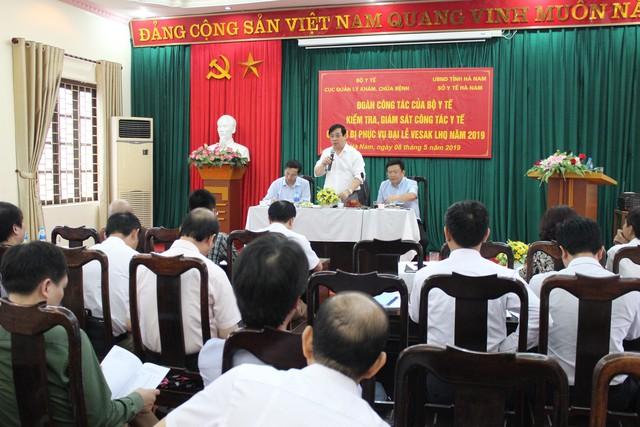 Đoàn công tác của Bộ Y tế kiểm tra, giám sát công tác y tế phục vụ cho Đại lễ Vesak chiều 8/5. ảnh Lê Hảo