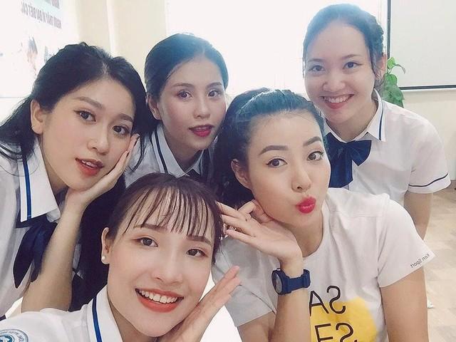 Những hình ảnh của Lê Thu Hương trong phim Siêu quậy.