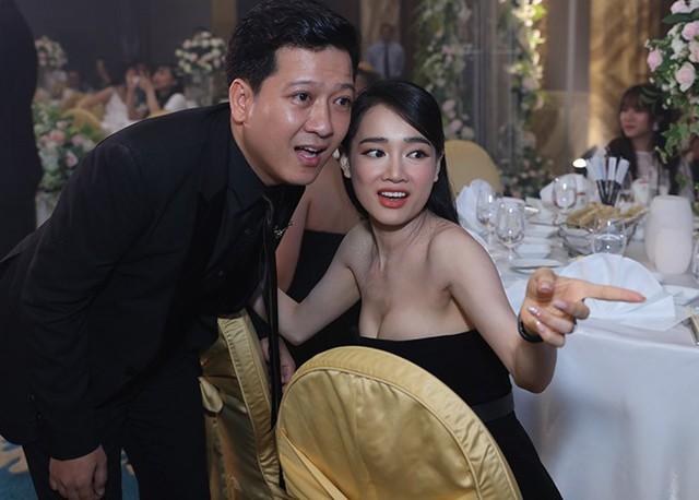 Trường Giang, Nhã Phương tình tứ không rời, gần nhất là đám cưới của đạo diễn Nhất Trung (phim Cua lại vợ bầu).