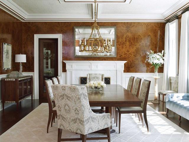 Phong cách cổ điển không ngại sử dụng họa tiết trang trí cho không gian căn phòng thêm phần sinh động.