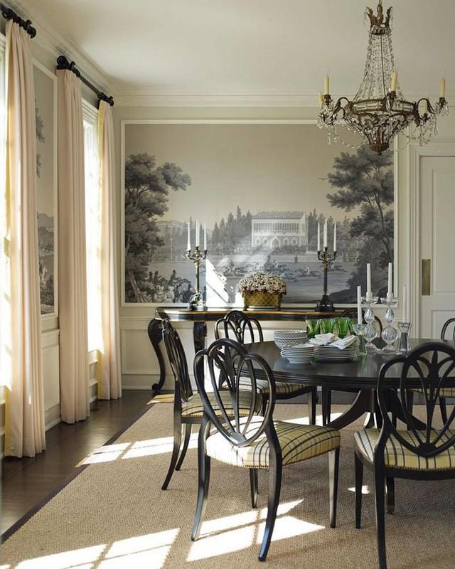 Bạn không nên lựa chọn phong cách nội thất cổ điển cho những căn phòng ăn nhỏ vì dễ gây cảm giác chật chội, bí bách.