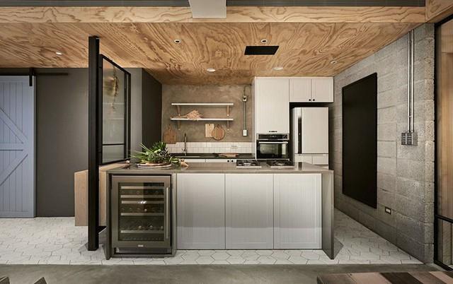 Ánh sáng tự nhiên luôn được các gia đình tận dụng một cách thông minh cho căn bếp gia đình.