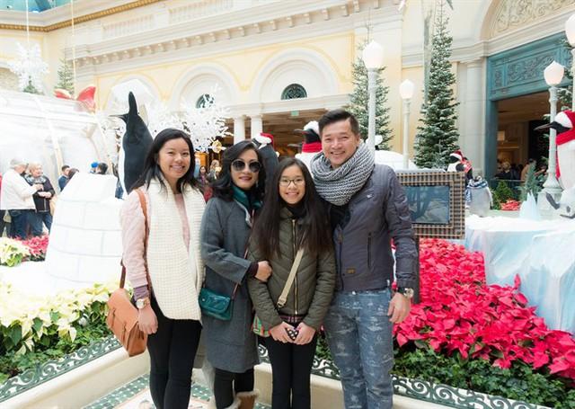 Con gái lớn Vicky Võ sinh năm 1996 và con út Sophia Minh Châu, sinh năm 2002.