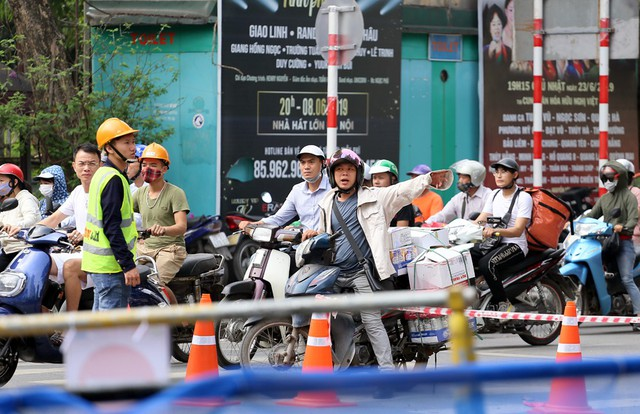 Hỗn loạn giao thông tại dự án ga ngầm Hà Nội sắp thi công trên đường Trần Hưng Đạo - Ảnh 10.