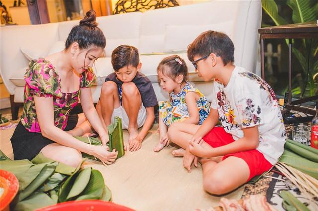 Hà Kiều Anh quan niệm dù xã hội có phát triển đến đâu, người phụ nữ có thành đạt và bước ra xã hội đến nhường nào thì phải hoàn thành tốt vai trò một người vợ, một người mẹ. Và chính những bữa ăn ngon là công cụ giúp người phụ nữ kết nối các thành viên trong gia đình và mang đến niềm hạnh phúc thực sự.