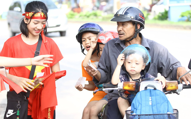 Chưa bao giờ người dân Phú Thọ lại háo hức đón xem bóng đá như nay.