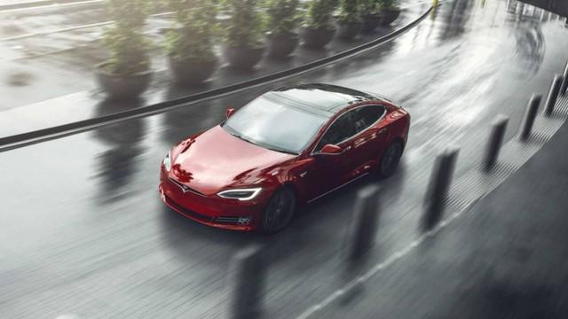 Tesla Model S đứng vị trí thứ 4.