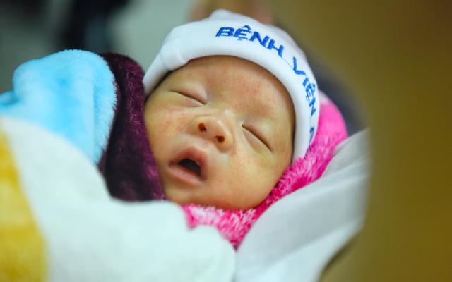 Người mẹ ung thư cùng con trai Bình An lần đầu xuất viện trở về quê - Ảnh 4.