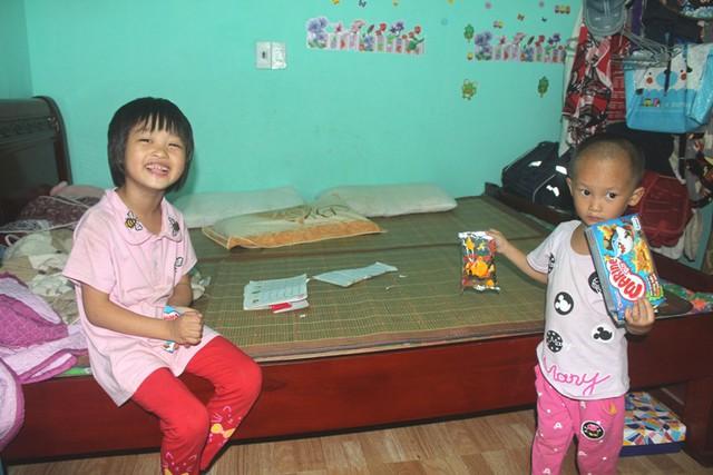 Hai người con của chị Oanh hiện chưa nói được tiếng Việt Nam.