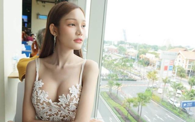 Tân Hoa hậu chuyền giới Thái Lan cũng sở hữu phong cách thời trang sexy.