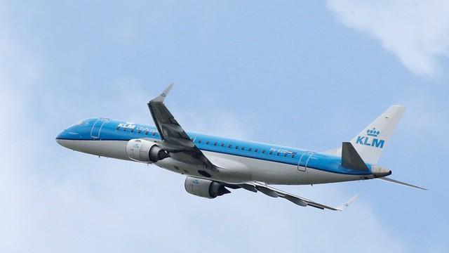 Sốc: Hãng hàng không Hà Lan gây phẫn nộ khi lỡ miệng công bố chỗ ngồi… dễ chết nhất trên máy bay - Ảnh 1.