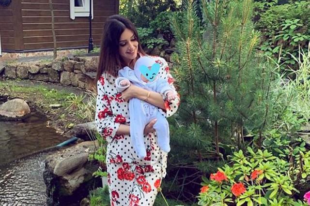 Người đẹp Nga tự hào về dòng máu Malaysia trong con trai mới sinh - Ảnh 2.