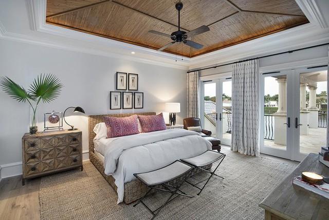 Có khá nhiều loại gỗ tự nhiên được lựa chọn dùng làm trần nhà.