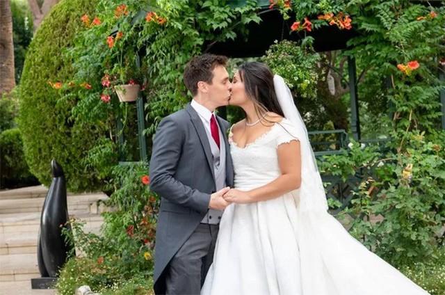 Đám cưới của cô gái mang dòng máu Việt với con trai công chúa Monaco - Ảnh 4.