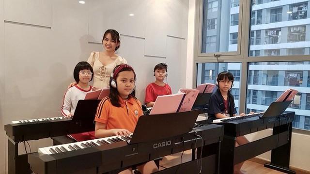Cô giáo dạy piano bức xúc vì bị bình luận khiếm nhã trên mạng - Ảnh 3.