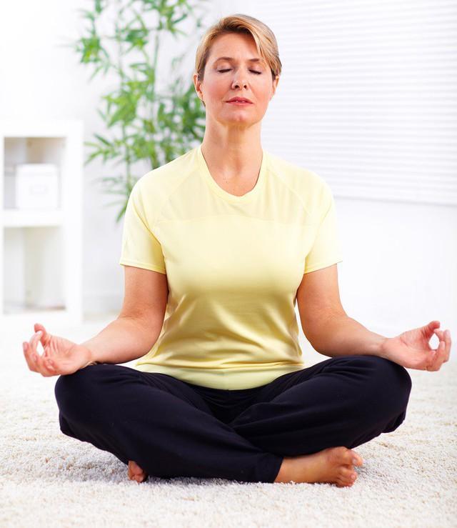 Biến chứng và cách phòng ngừa bệnh tăng huyết áp ở người cao tuổi - Ảnh 2.