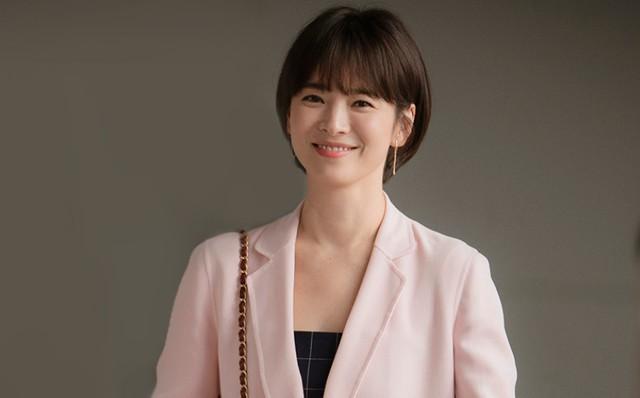 Chỉ với 1 hành động nhỏ, Song Hye Kyo đã kịp trấn an fan hâm mộ sau ồn ào hậu ly hôn - Ảnh 2.