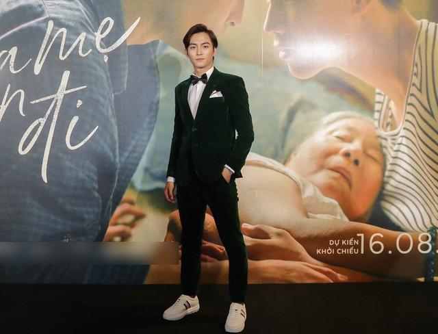 Trai đẹp của Chi Pu, Hương Tràm tiết lộ về cảnh nóng đồng tính - Ảnh 2.